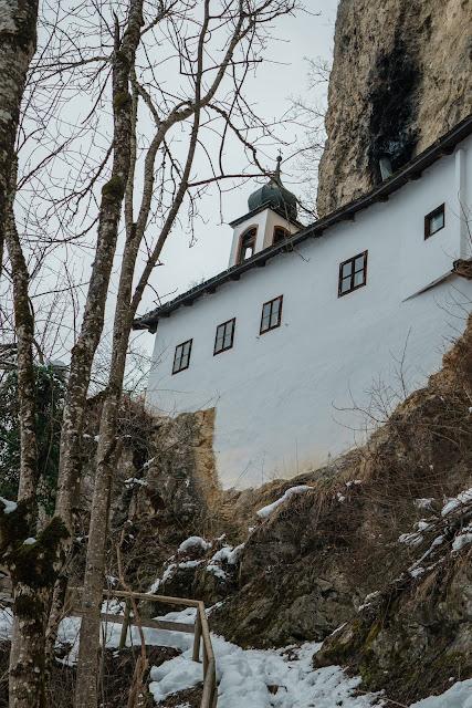 Nachtrodeln und Winterwandern in Saalfelden-Leogang  im Salzburgerland  Winterwanderung zur Einsiedelei  Nachtrodeln am Biberg 09