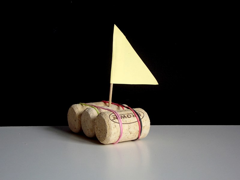 łódka z korków