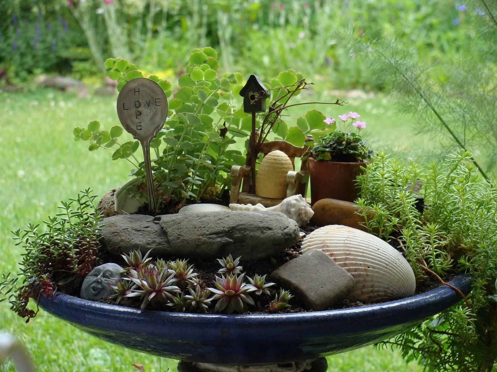 Outdoor Yard Items