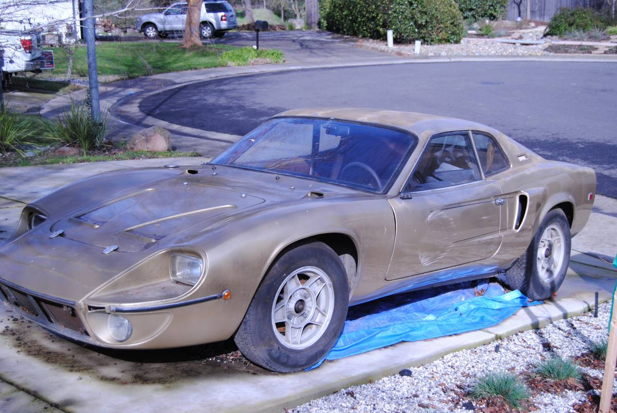 Ford GT-40 Replica: 1969 FT Bonito Kit Car by Fiberfab