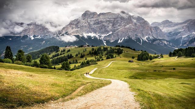 Papel de parede Natureza Belas Montanhas na Europa para PC, Notebook, iPhone, Android e Tablet.