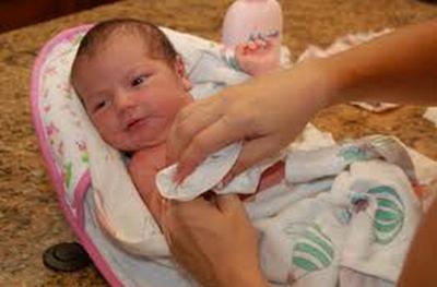 9 Hal Penting Cara Merawat Bayi Yang Baru Lahir