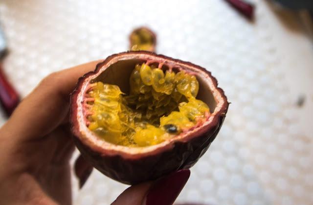 Marakuja - zanim ją kupisz. Jak jeść? Jaką wybrać?