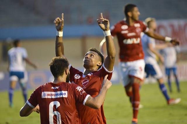 Com várias mudanças, Tigrão estreia com vitória na Série B