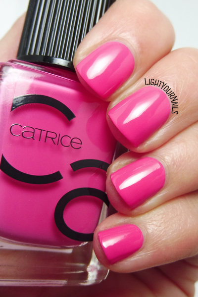 Catrice ICONails 31 Vegas Is The Answer smalto nail polish #catrice #nails #unghie #pink #lightyournails