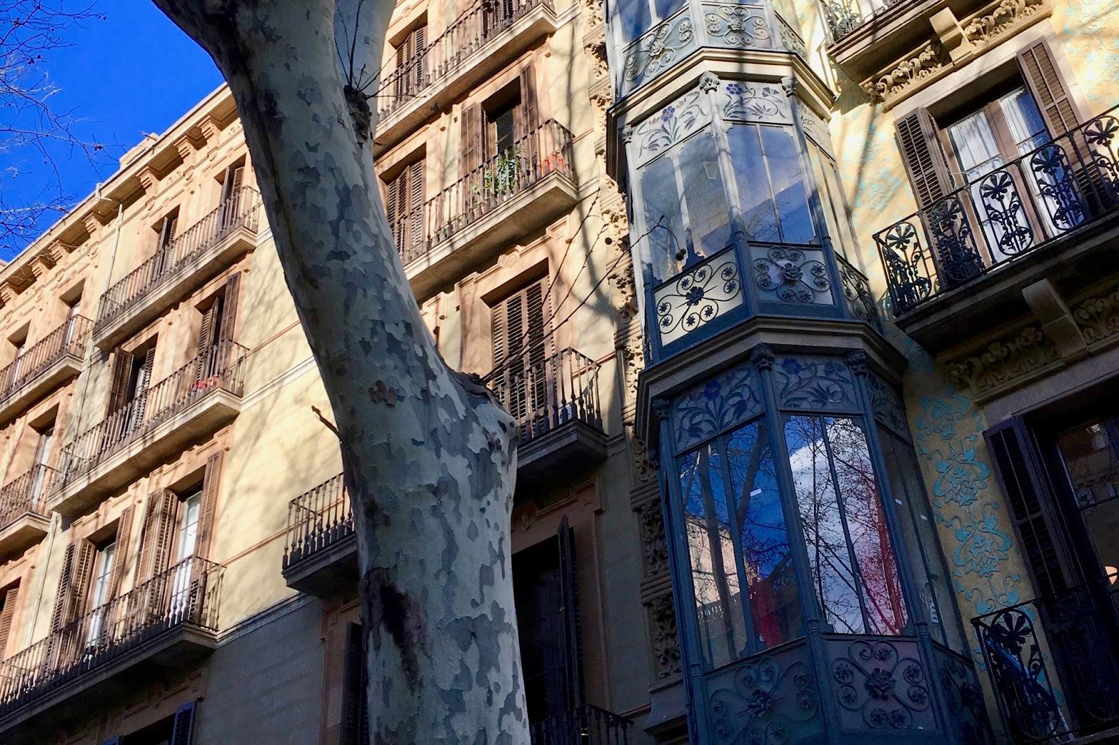 frische brise 12 von 12 im m rz in barcelona. Black Bedroom Furniture Sets. Home Design Ideas