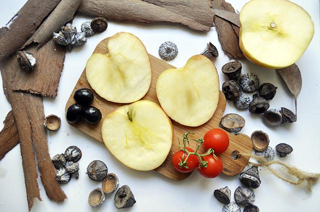 aceitunas, manzanas y tomates