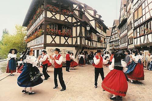 Французская нация - одна из старейших на европейском континенте, с богатой историей и культурой