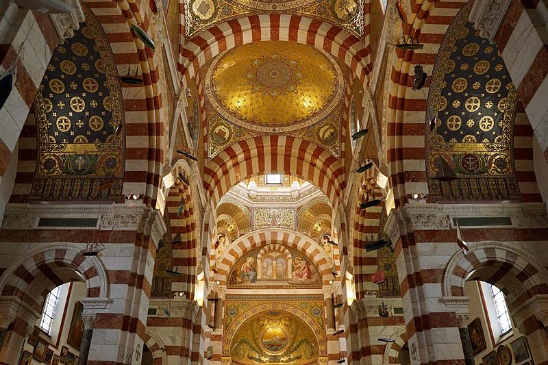 Notre-Dame de la Garde Marseille inside // Notre-Dame de la Garde Marseille Innenraum