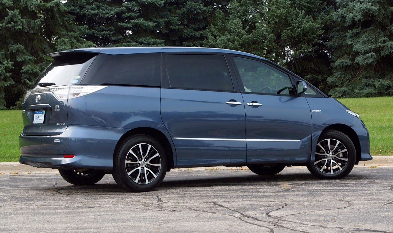 Toyota Estima Hybrid Minivan 2011 Review And Pics