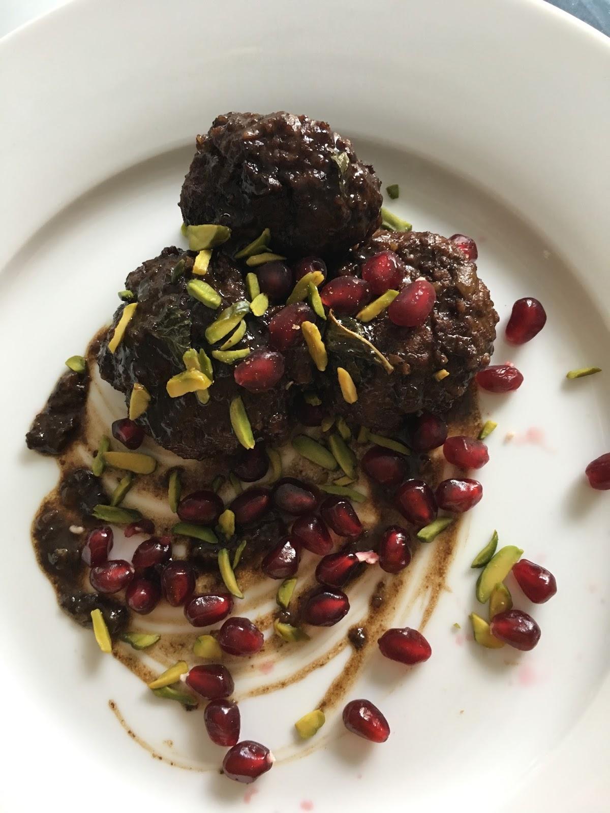 La mia cucina persiana: Polpette alle Noci e Salsa di Melograno ...