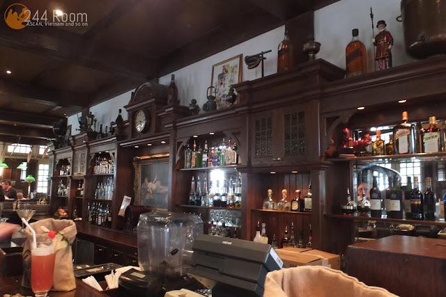 ラッフルズホテルロングバー Raffles-hotel-longbar3