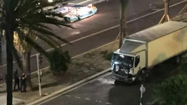 Decenas de muertos en Niza Francia atropellados por un camión atentado