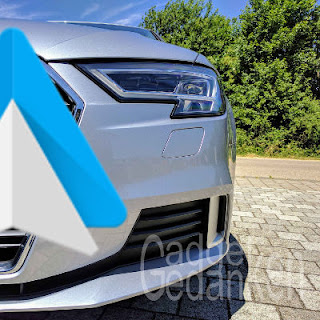 Linke Frontseite des Audi A3 mit Android Auto Logo im Vordergrund
