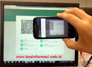 Scan QR code WhatsApp web