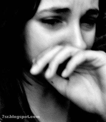 صور بنات حزينه 2017 تبكي بنظرات حزن معبرة عن الأسف والندم