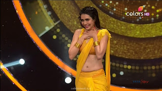Karishma Tanna in Wet Yellow Saree on Stage Dance performence (42).jpg