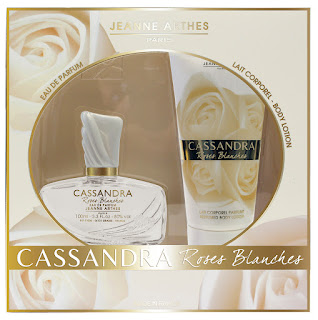 CASSANDRA-ROSES-BLANCHES