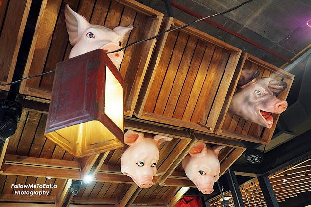 Naughty Nuri's Porky Balinese Restaurant