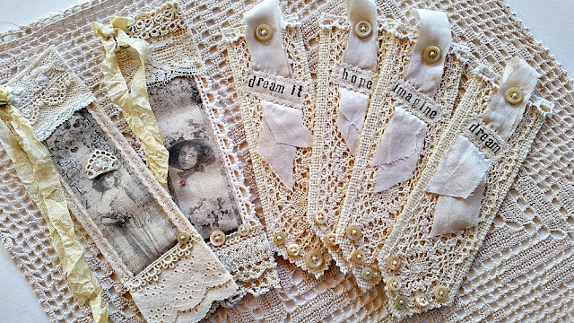 vintage-lace-burlap-book-mark-gift-Christmas-Holidays-jemma