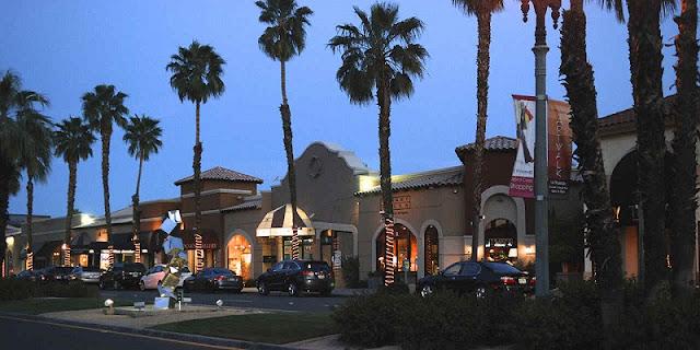 Noite na El Paseo em Palm Springs