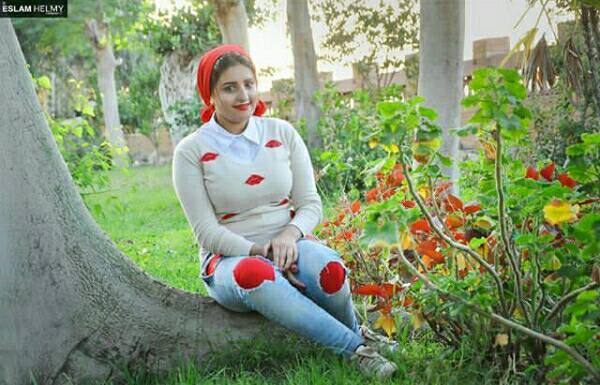 زينة 23 سنة من القاهرة