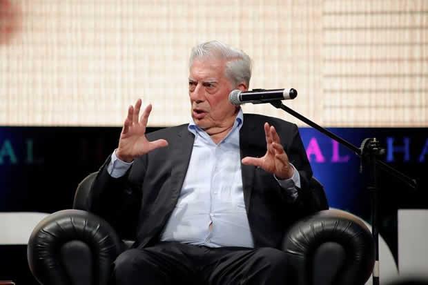 Vargas Llosa: La democracia corrupta permite confusiones como el chavismo