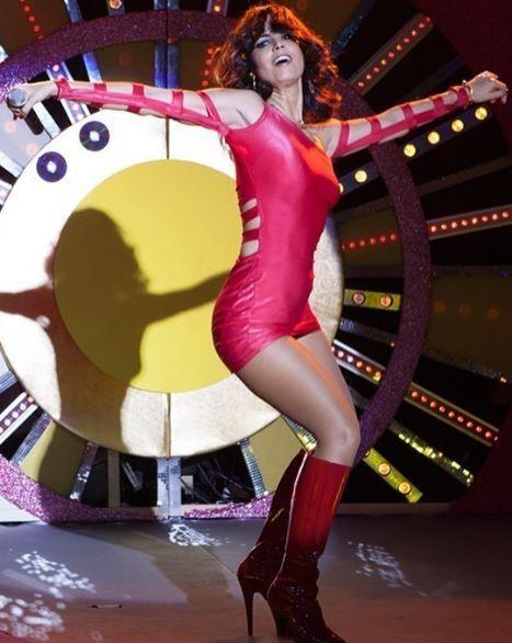 Figurino Gretchen (Emanuelle Araujo) em Bingo