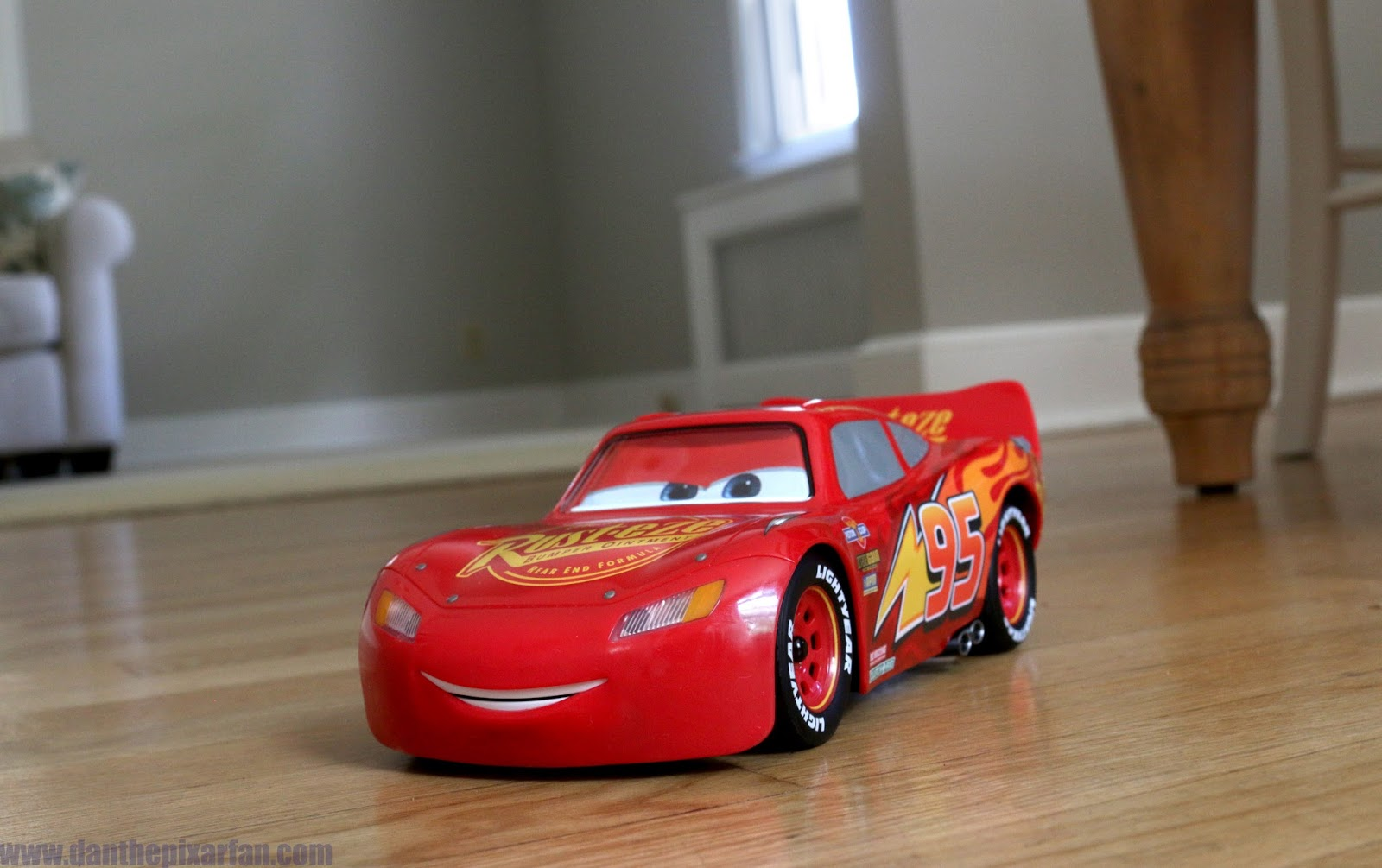Cars 3 Sphero Ultimate Lightning McQueen Review