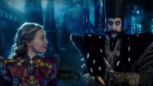 Alice e Tempo conversando, Alice través do espelho figurino filme