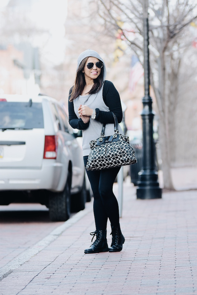 Wearing: Gray T-shirt: Choies Black Sweater: Choies Leggings: SheIn Bag: Coach Boots: Yoki (Similar Here)