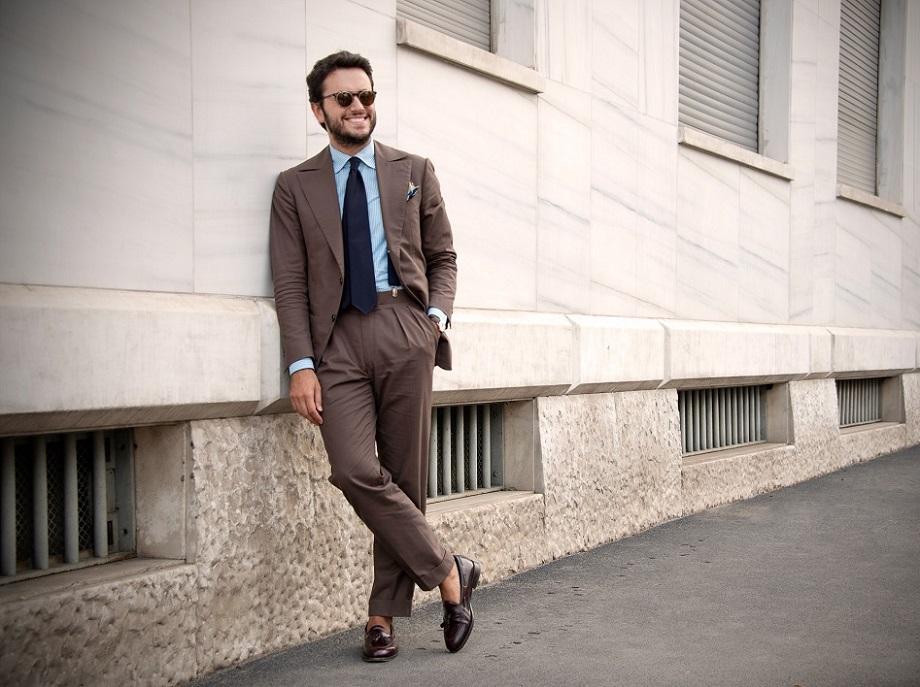 dd3f9f32b5768 Gdy wchodzi się na grupy i fora poświęcone męskiej klasycznej elegancji,  zewsząd otaczają nas pytania o to, gdzie kupić brogsy do 300 zł albo  garnitur ...