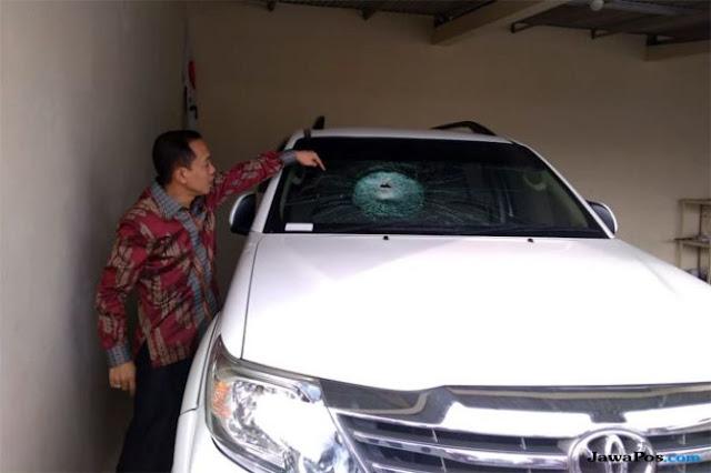 Lintasi Tol, Kaca Mobil Ketua Gerindra Semarang Pecah Dilempar Batu