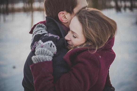 Frasi Sugli Abbracci E Abbracciare Scuolissima Com