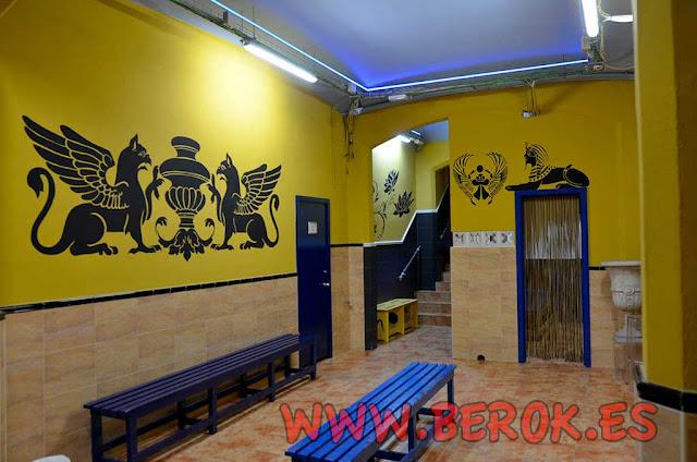 Murales egipcios pintados en paredes
