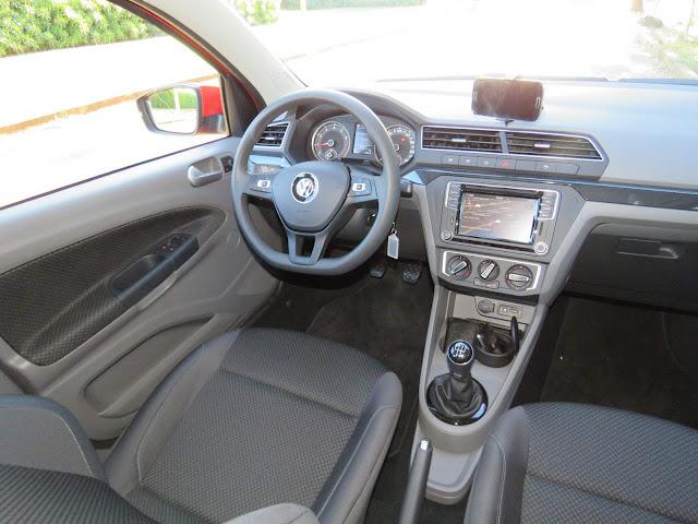 Novo VW Gol 2017 Comfortline 1.6 - interior - painel
