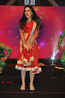 Bollywood Actress Model Sunny Leone Dance Performance in Red Half Saree at Rogue Audio Launch 13 March 2017  0176.jpg