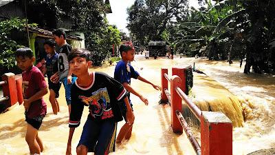 Setiap Tahun Warga Mojoagung Jombang Kebanjiran Sampai Sepuluh Kali