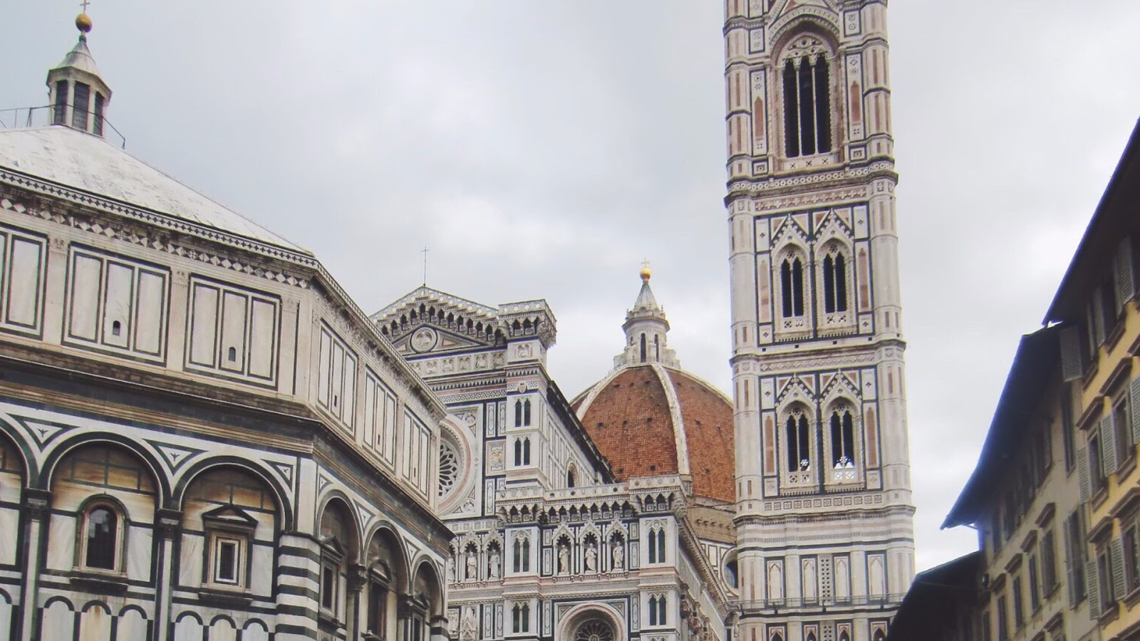 Florence Italy Duomo // February Desktop Wallpaper Download // www.thejoyblog.net