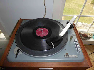 Elac Miracord 10 Turntable Playing 78RPM Record