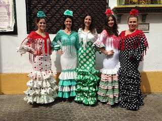 Alquiler de trajes de flamenca feria de abril de sevilla for Parcelas para alquilar en sevilla