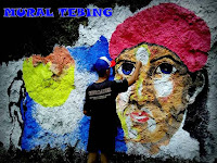 Lukisan Mural di Tebing Bukit Tunggangan Trenggalek