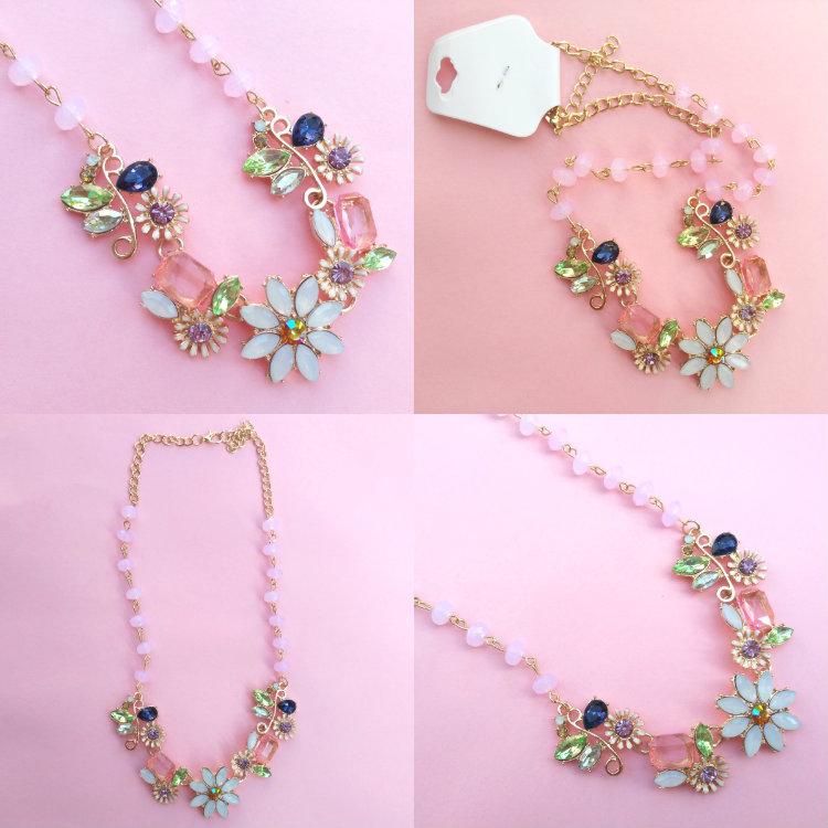 http://es.zaful.com/collar-flor-de-cristal-falso-p_228564.html?lkid=43424