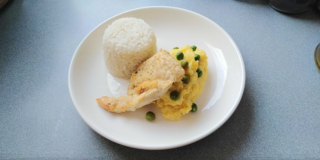 Receta de Filete de Pollo con Puré de Papas Amarillas y Arroz Blanco