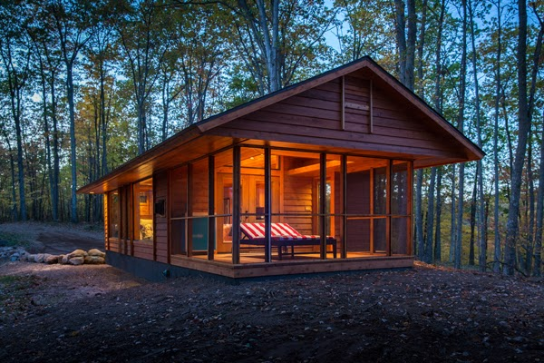 It may look like a cabin, but this is actually an RV (no joke). - This Looks Like A Charming Little Cabin. And It Is… But It's So Much More Than That. Trust Me.