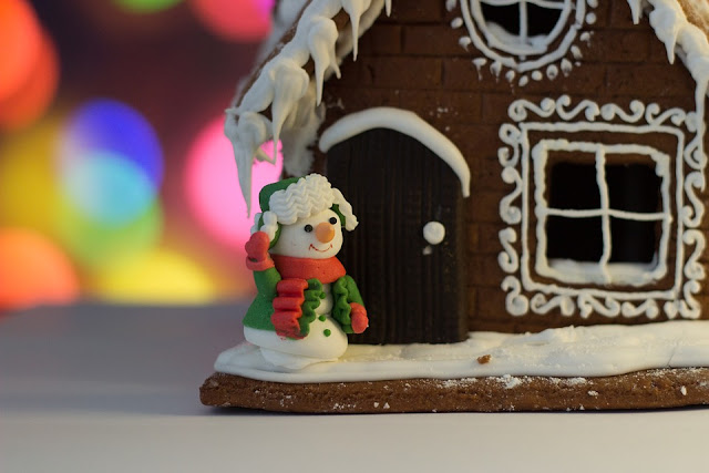 Image: Gingerbread House, by Таисия Слободян on Pixaby