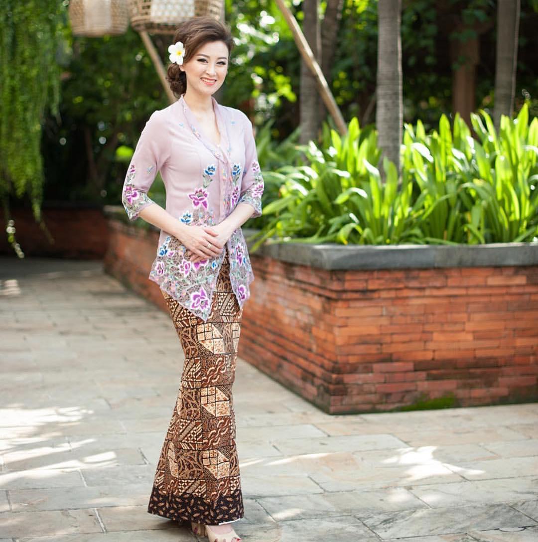 50 Inspirasi Model Kebaya Encim Modern Love Kebaya Makes You Beauty