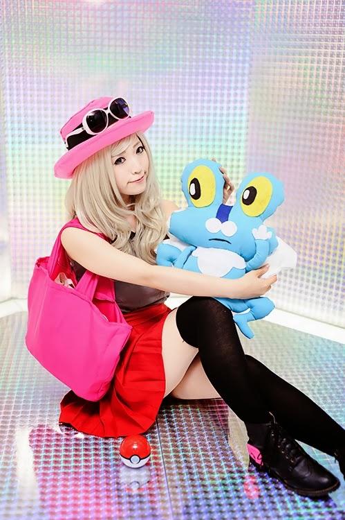 Pokemon Cosplay Beautiful Pokemon X and Y Trainer Serena