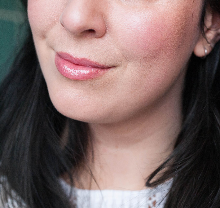 review: Estee Lauder pure color envy sculpting gloss in Suggestive Kiss