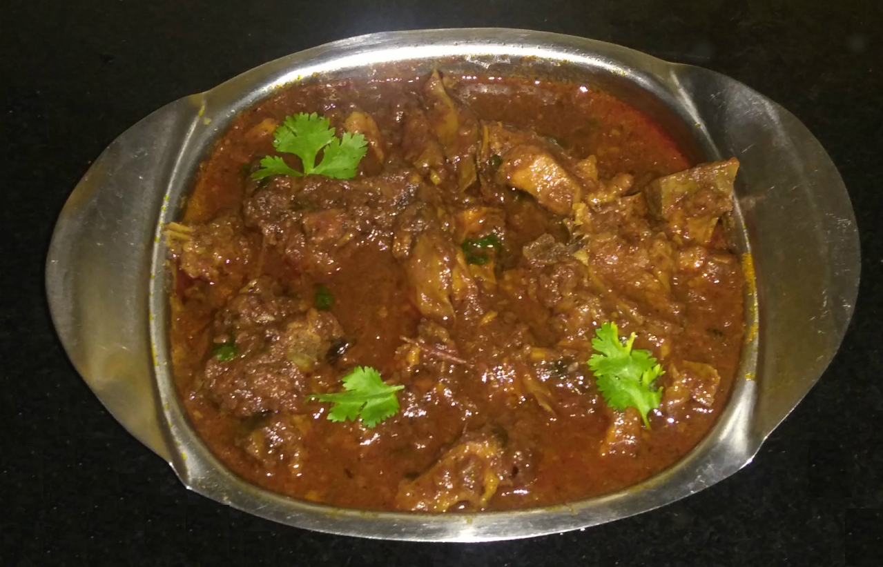 Simple indian mutton curry recipe spicy mutton curry recipe spicy indian mutton curry is very simple recipe to make and this uses very basic ingredients but at the same time it is is very yummy to taste forumfinder Images